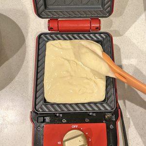 ブルーノのホットサンドメーカーでホットケーキを焼こう